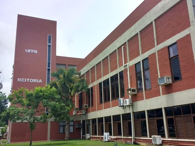 Reitor da UFPB retira a instituição de projeto do NE de divulgação científica e gera reação da comunidade acadêmica