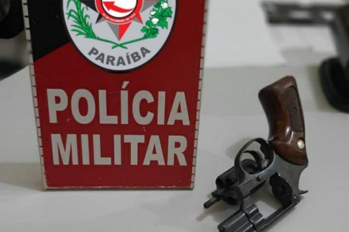 Operação Trabalhador: Polícia apreende arma de fogo em Caaporã e drogas em Bayeux