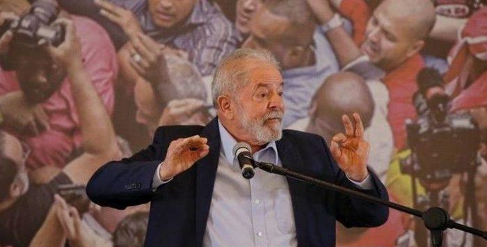Em ensaio para 2022, PT e Lula reconstroem pontes com o PSB