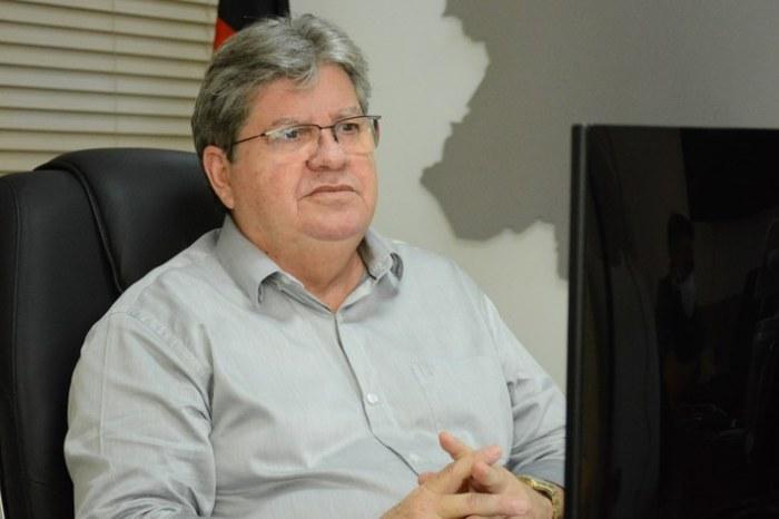 """João Azevêdo aponta medidas de novo decreto: """"Ainda não podemos abrir geral"""""""