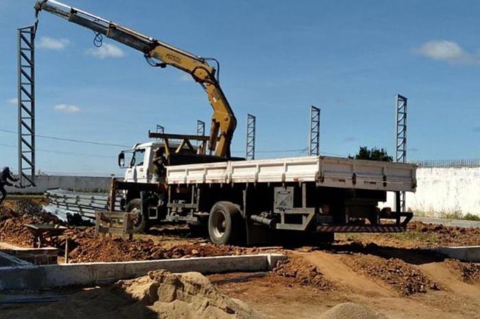 Prefeito Éden Duarte anuncia início da construção de ginásio no bairro Frei Damião
