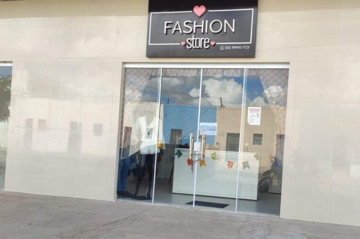Em Monteiro: Bandidos arrombam loja e levam mais de R$ 5 mil em roupas