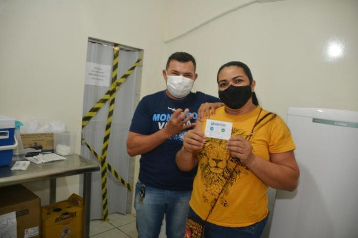 Profissionais da rede educacional de Monteiro continuam a receber doses da vacina contra Covid