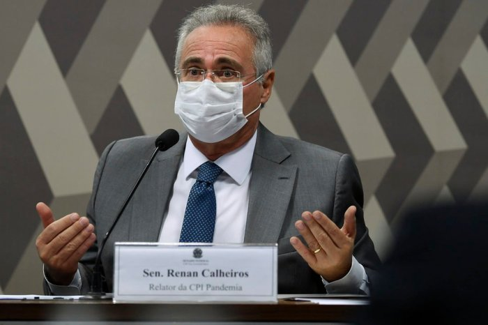 Renan Calheiros quer que jogadores da seleção brasileira não participem da Copa América
