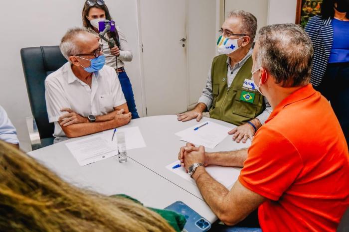 Cícero fala em conclusão da vacinação com 1ª dose até agosto durante reunião com ministro Marcelo Queiroga