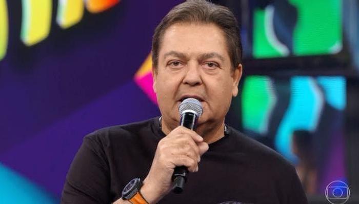 Faustão é internado e Globo convoca Tiago Leifert para apresentar o 'Domingão'