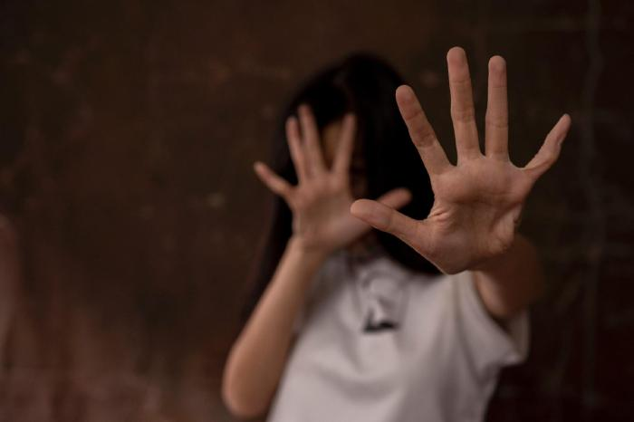 Pai é preso suspeito de estuprar e engravidar as duas filhas em cidade da Paraíba