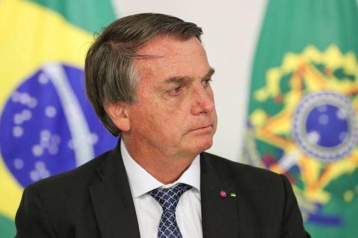 Em pronunciamento, Bolsonaro promete vacinar toda população até fim do ano