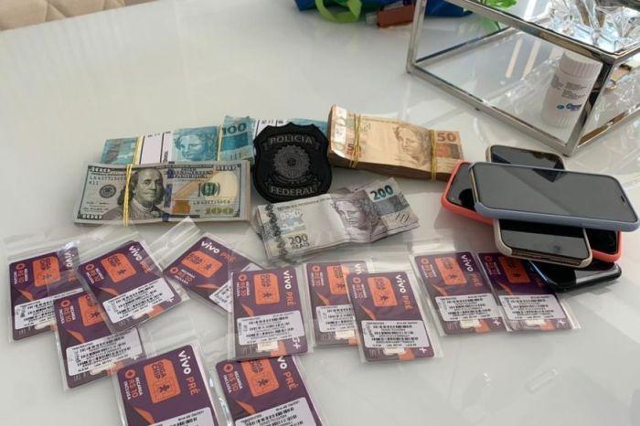 PF apreendeu 35 mil em reais, 1.700 em dólares, carros de luxo e documentos falsos ao capturar foragido do PB1