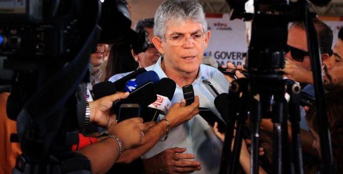 Ricardo Coutinho anuncia que será candidato ao Senado e comenta que faz parte do projeto de Lula