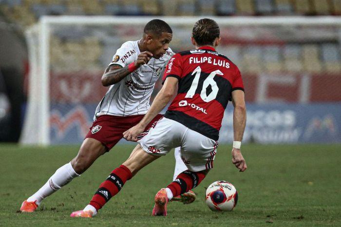 Flamengo e Fluminense disputam clássico carioca em São Paulo