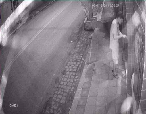 Homem arromba duas lojas na madrugada desta sexta-feira (02) em Monteiro