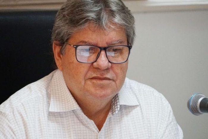 """""""Não tenho intenção de trazer pra base quem está na oposição"""", sentencia João"""