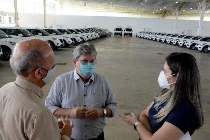 """""""Vamos acelerar o ritmo para salvar vidas"""", destaca João sobre maior distribuição de vacinas na Paraíba"""