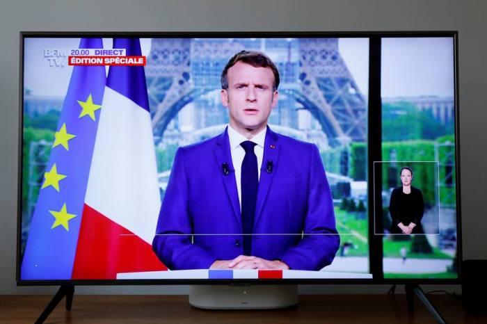 França exige imunização para ir a bares, e 1 milhão corre para se vacinar