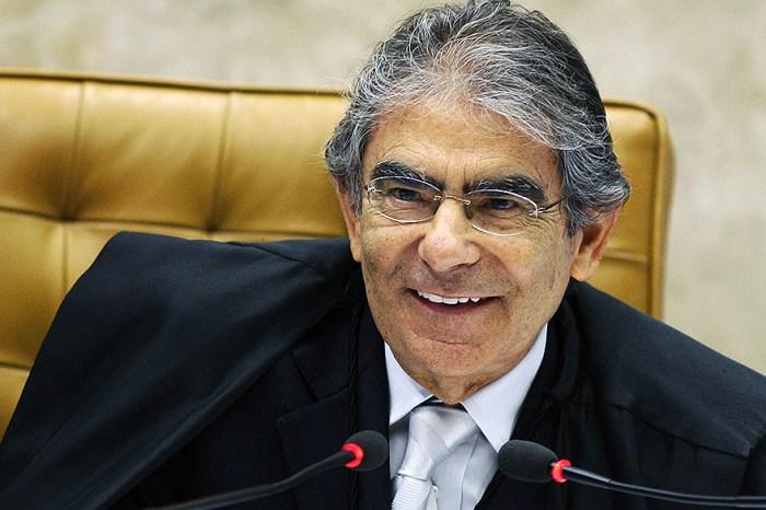 Se não provar fraudes, Bolsonaro terá cometido delito, diz Ayres Britto