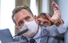 Dominguetti diz que Luis Miranda tentou negociar vacinas; deputado nega