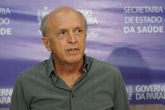 A cada 10 pessoas internadas por Covid-19 na Paraíba, 9 não se vacinaram, revela secretário