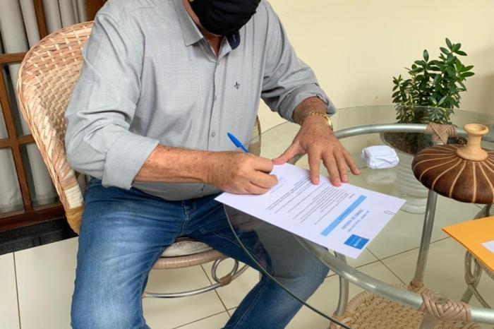 Prefeito de Serra Branca Souzinha assina Termo de Adesão ao Selo Unicef