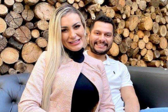 Andressa Urach fala sobre gravidez: 'Mexer no celular me dá enjoo'
