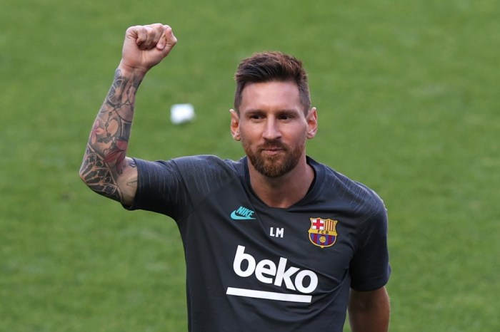 Lionel Messi acerta saída do Barcelona