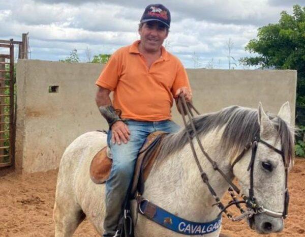 Vaqueiro morre após sofrer acidente de moto em estrada na região do Cariri