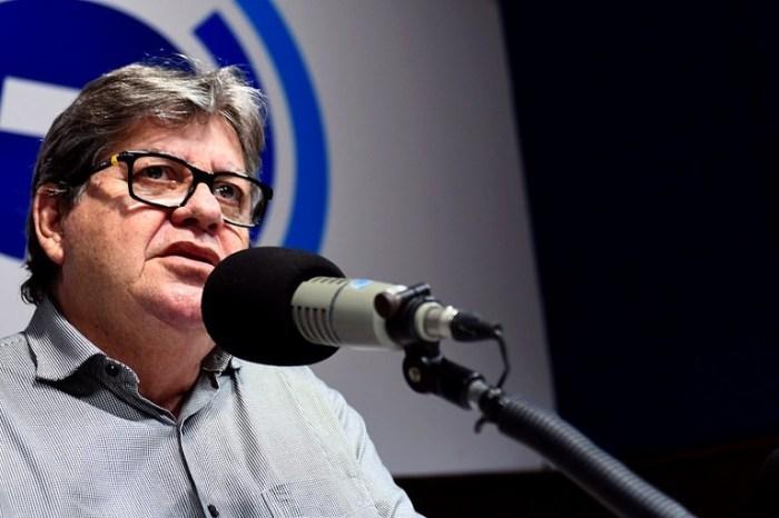 João Azevêdo anuncia isenção para emplacamento de moto em atraso na Paraíba