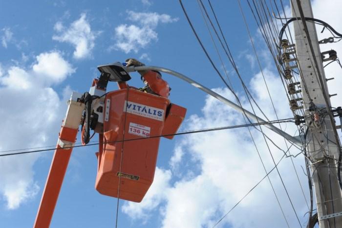 Monteiro finaliza instalação de lâmpadas de Led em parceria com a Energisa