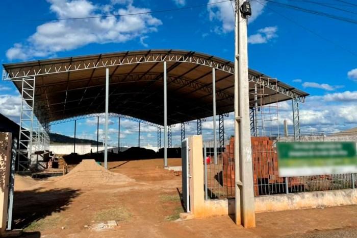 Prefeito de Sumé anuncia construção de mais um ginásio esportivo em parceria com o governo do Estado