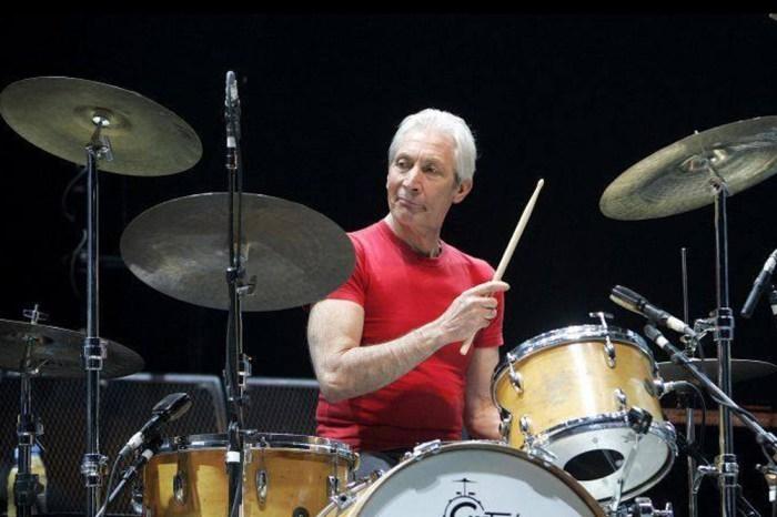 Morre aos 80 anos de idade Charlie Watts, baterista do Rolling Stones