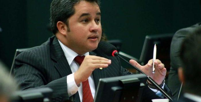 Efraim confirma articulações para tornar fusão de DEM e PSL no maior partido do país