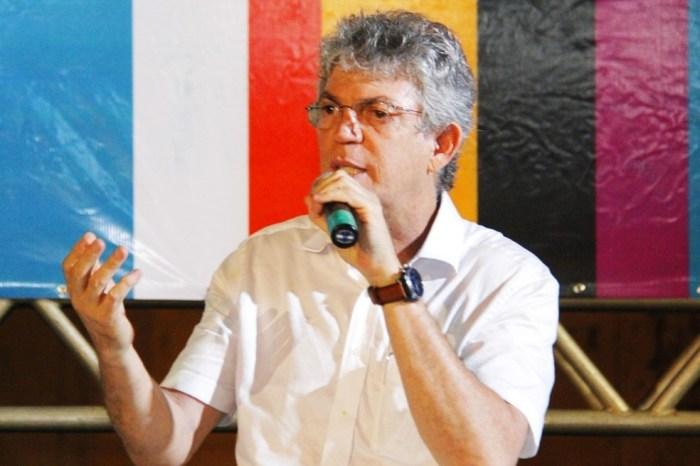 TCE rejeita recurso e mantém contas de Ricardo Coutinho reprovadas