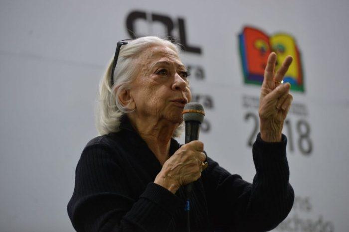 Fernanda Montenegro oficializa candidatura à Academia Brasileira de Letras