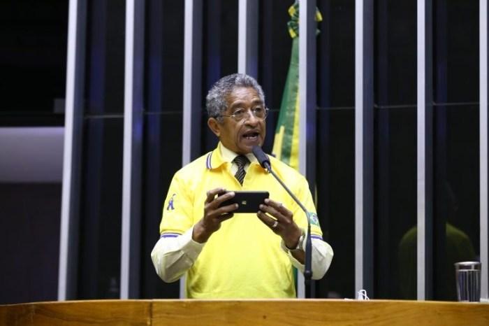 Oposição vai à Justiça contra privatização dos Correios