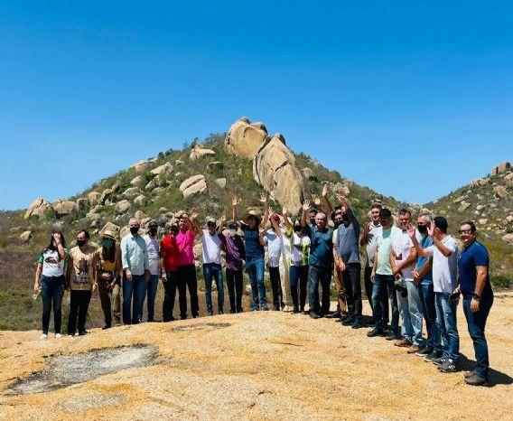 Prefeitos do Cariri acompanham visita da Rota Cariri Cultural em Monteiro