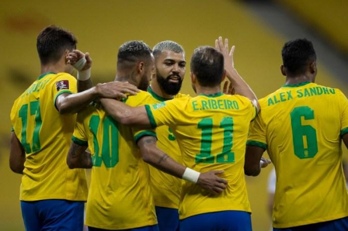 Brasil vence o Peru; Neymar desabafa e pede respeito