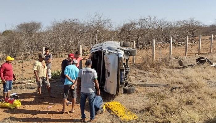 Advogado perde o controle do veículo e sofre acidente em estrada no Cariri