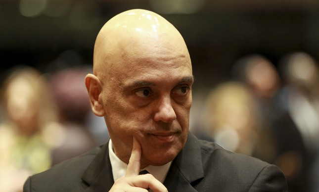 Alexandre de Moraes presta queixa contra grupo que o atacou em São Paulo