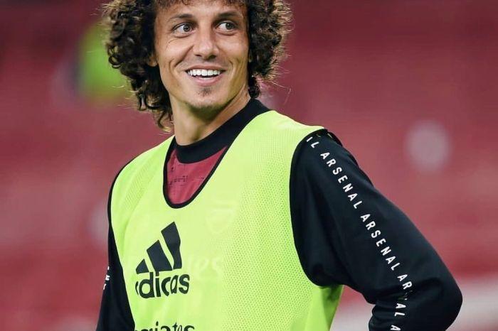 Torcida do Flamengo faz campanha pela contratação de David Luiz
