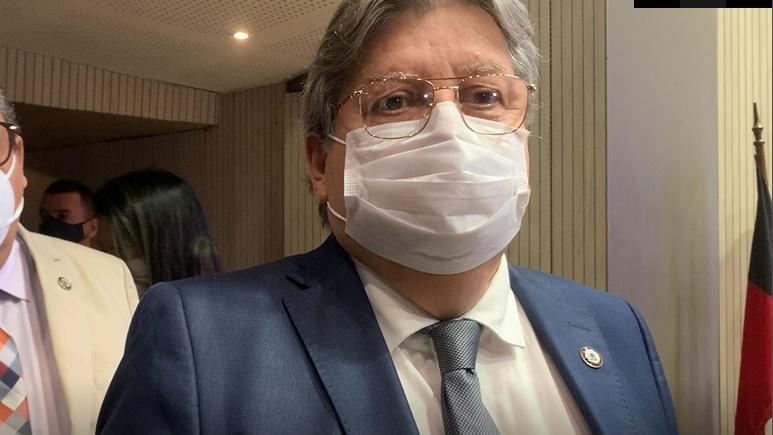 João Azevêdo representa governadores do Nordeste na Mostra de Artesanato no Senado Federal