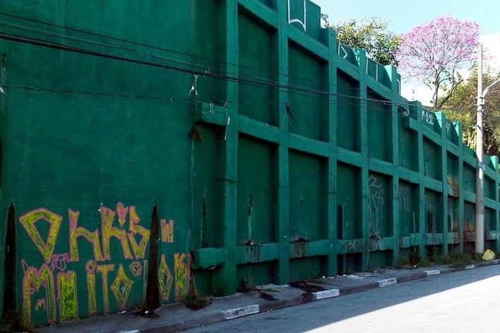 Contenção de encosta, Grotão da Bela Vista<br />Foto Abilio Guerra