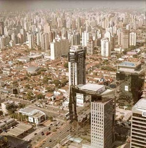 Verbo Divino Street: an example of ongoing transformations in the city of São Paulo landscape [MEYER, R. M. P. Org.]