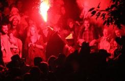 Diable rodejat de camellaires // Jose Polo