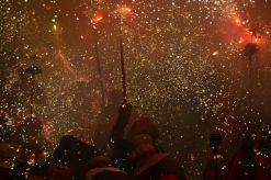 Els diables, en un correfoc de Festa Major // Elisenda Colell