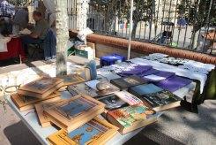 Llibres de tot tipus es podien trobar al passeig del Terraplè // Jordi Julià