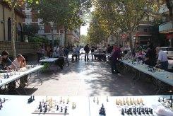 Una trentena de persones han jugat simultàniament a escacs // Jordi Julià