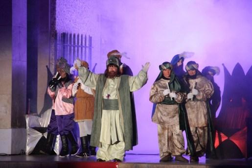 EL patge Amelí donava la benvinguda a l'acte de l'església // Jordi Julià
