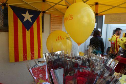 Roses i estelades a la parada d'ERC // Jose Polo