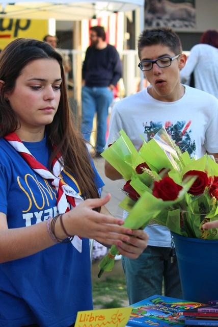 La parada de l'esplai MIB al Sant Jordi 2015 // Jose Polo