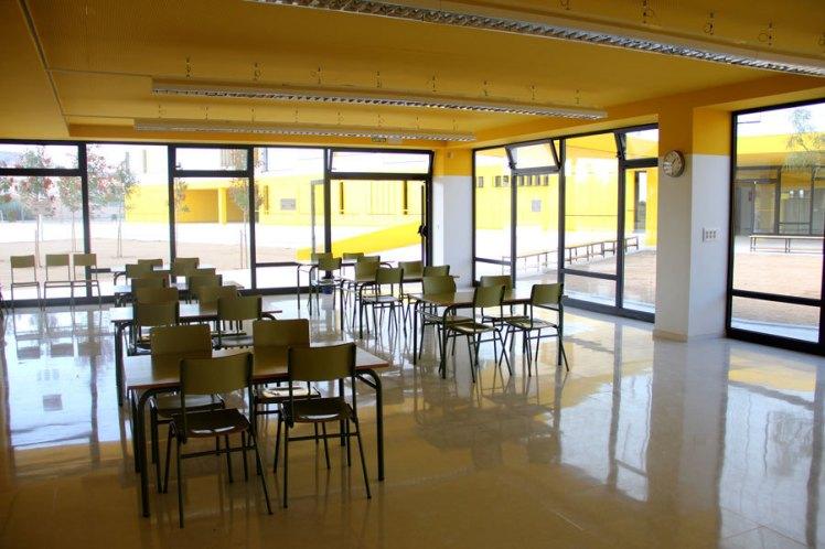 nou-institut-lluis-de-requesens-bar-2